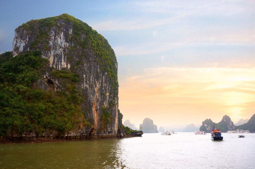 halong bay-tour