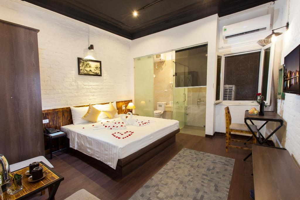 LuxuryBackpackers-deluxeroom