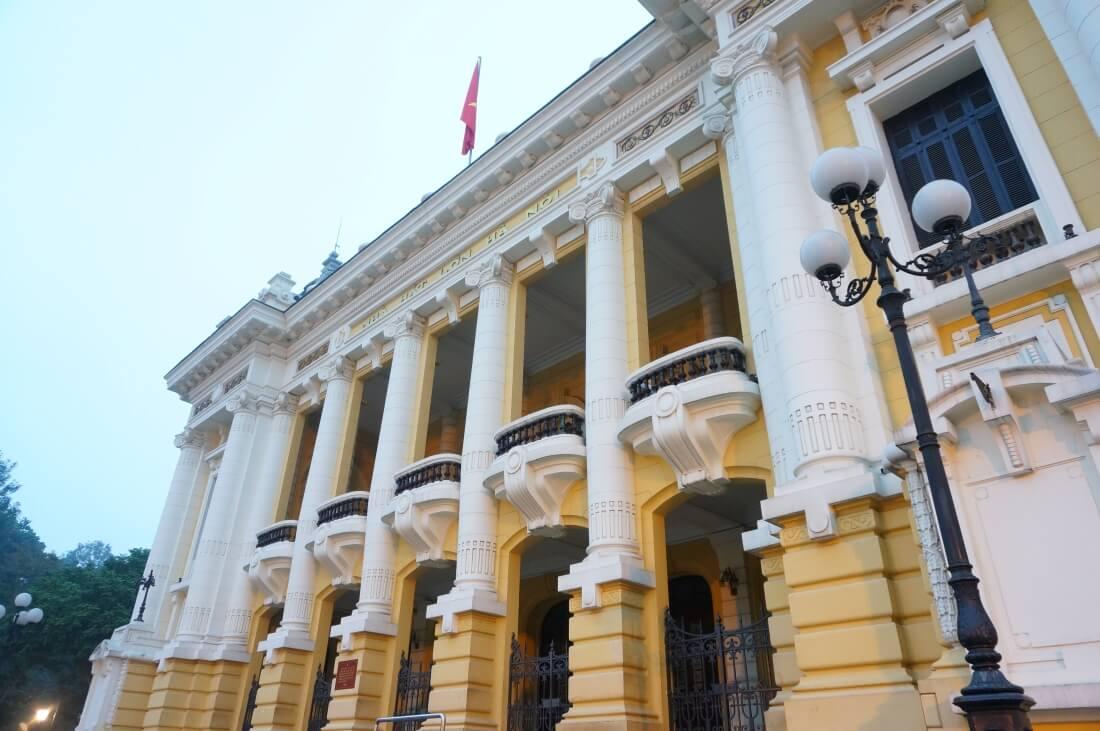 hanoi-sightseeing-spot-operahouse