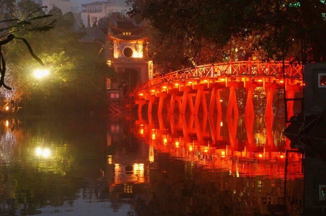 hanoi-sightseeing-spot-NgocSonTemple
