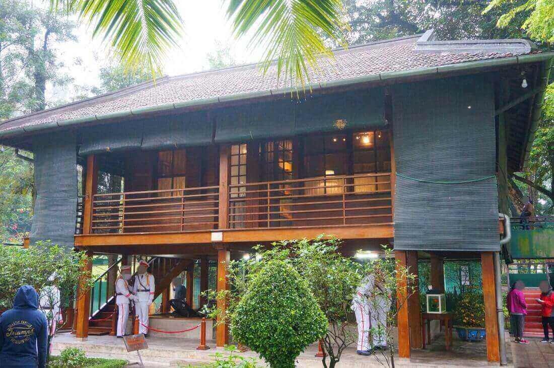hanoi-sightseeing-spot-HoChiMinh house