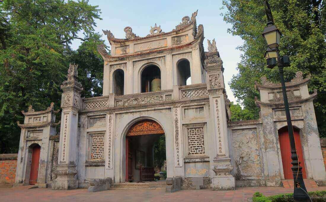 hanoi-sightseeing-spot-theTempleof literature