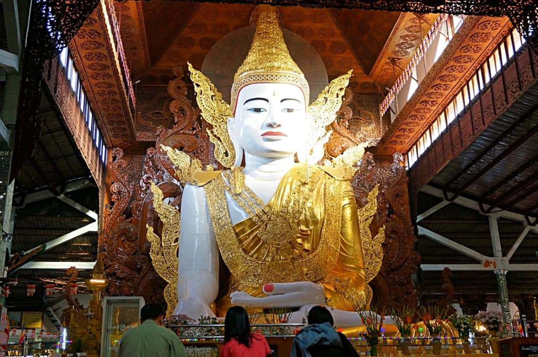 Ngar Htat Gyi Pagoda(ガータッジーパゴダ)